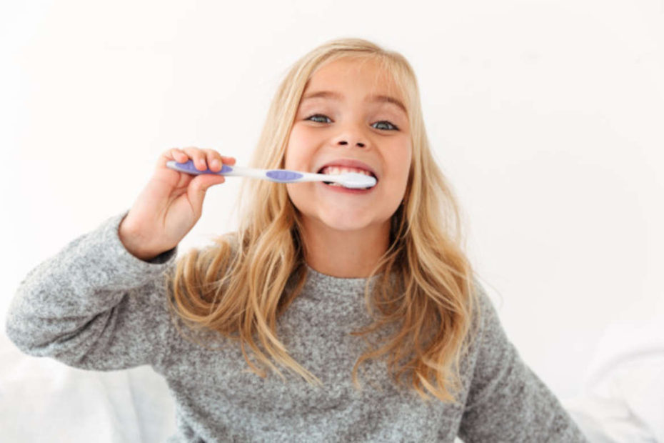 3 Dicas para cuidar dos dentes de leite das crianças